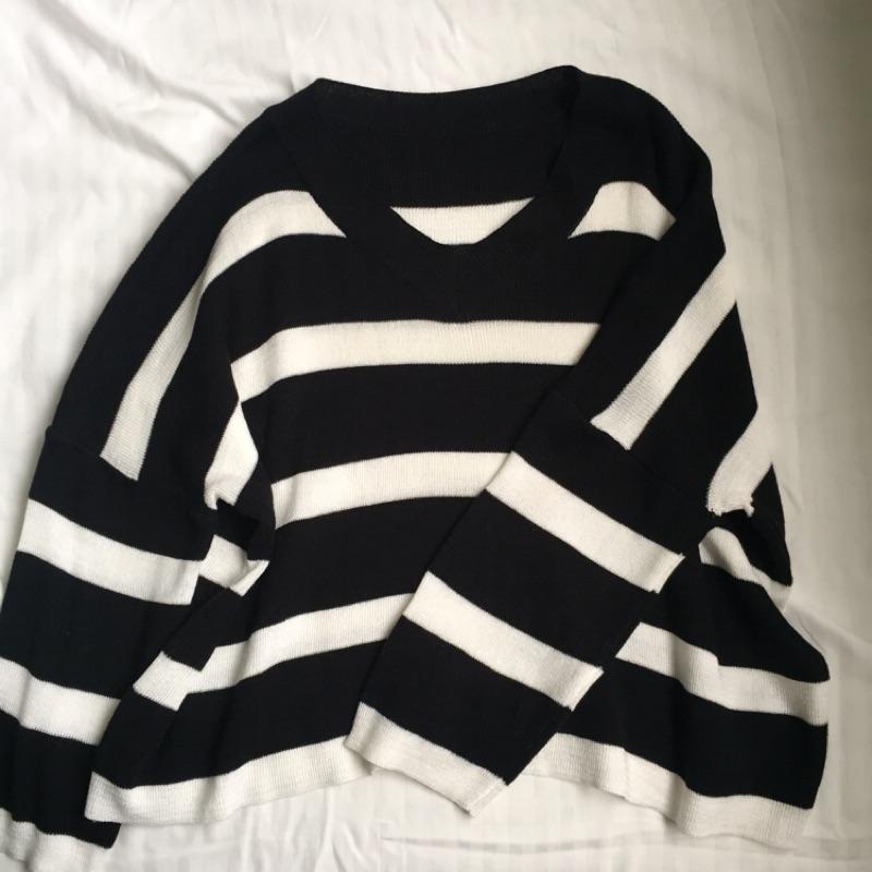 條紋V領上衣