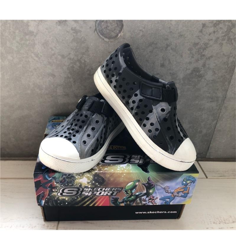 Skechers 兒童 洞洞鞋