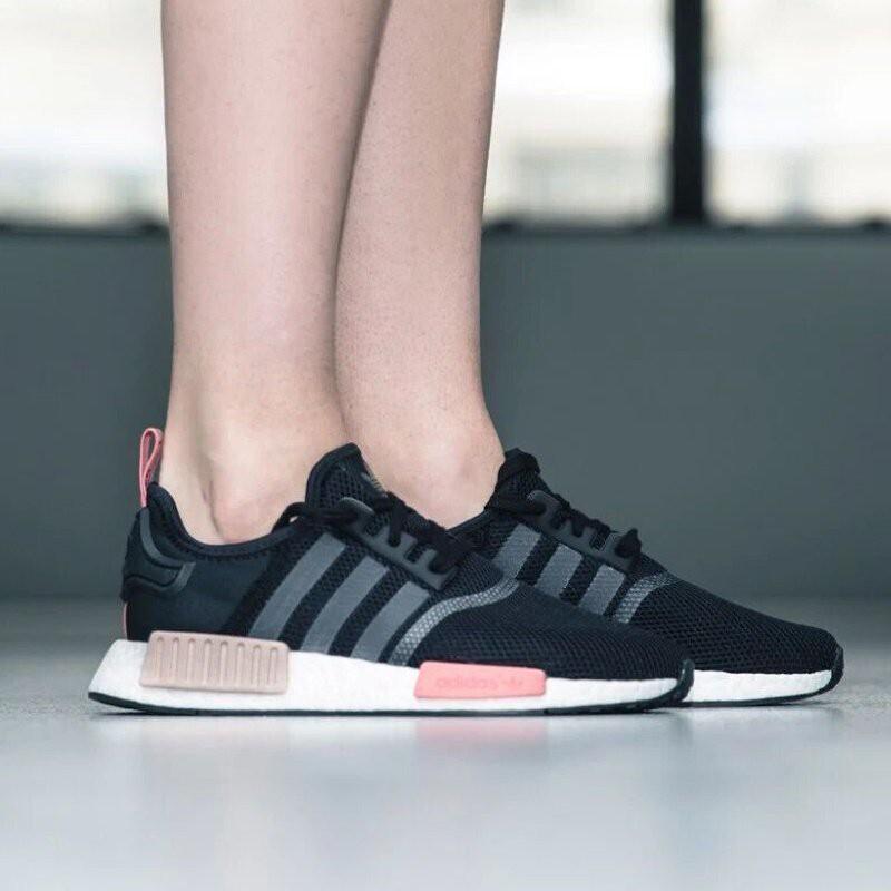 huge discount 9ce5a 73ad3 Adidas Originals Boost NMD Runner R1 S75234 黑粉 休閒慢跑鞋