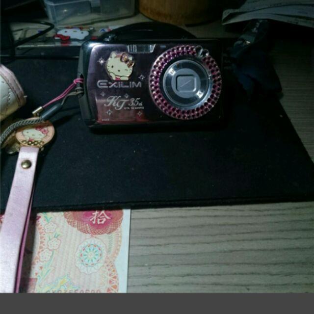 卡西歐. hello kitty35週年紀念相機