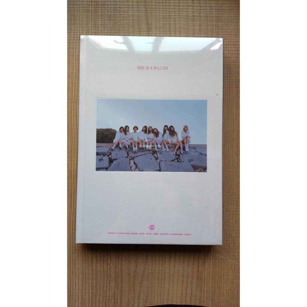 全新未拆現貨可貨付twice 1st Photobook One In A Million 首張寫真