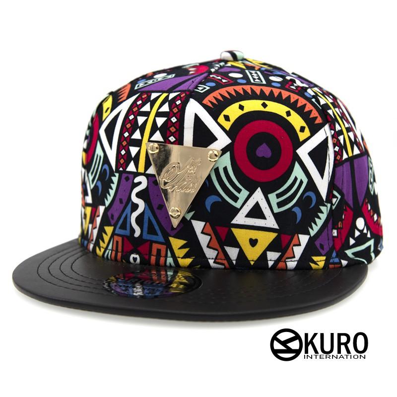 KURO-SHOP潮流新風格-普普風圖案、黑色帽沿 金色三角牌 棒球帽 板帽