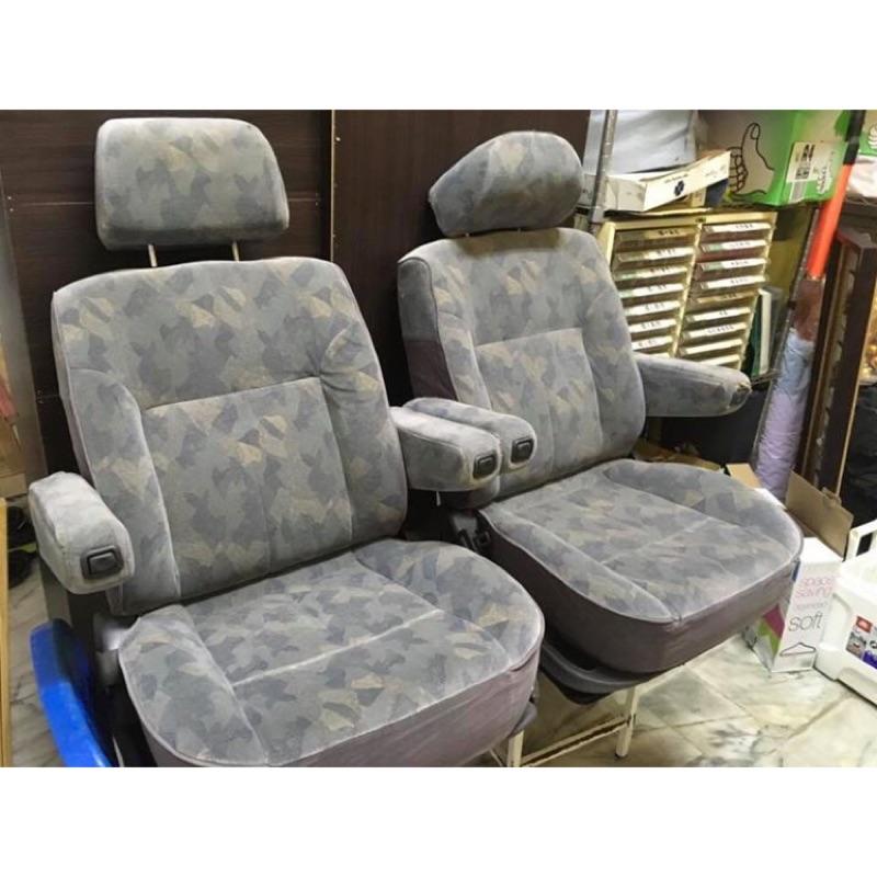 三菱space gear原廠可旋轉椅功能正常 品項如圖 每張2500
