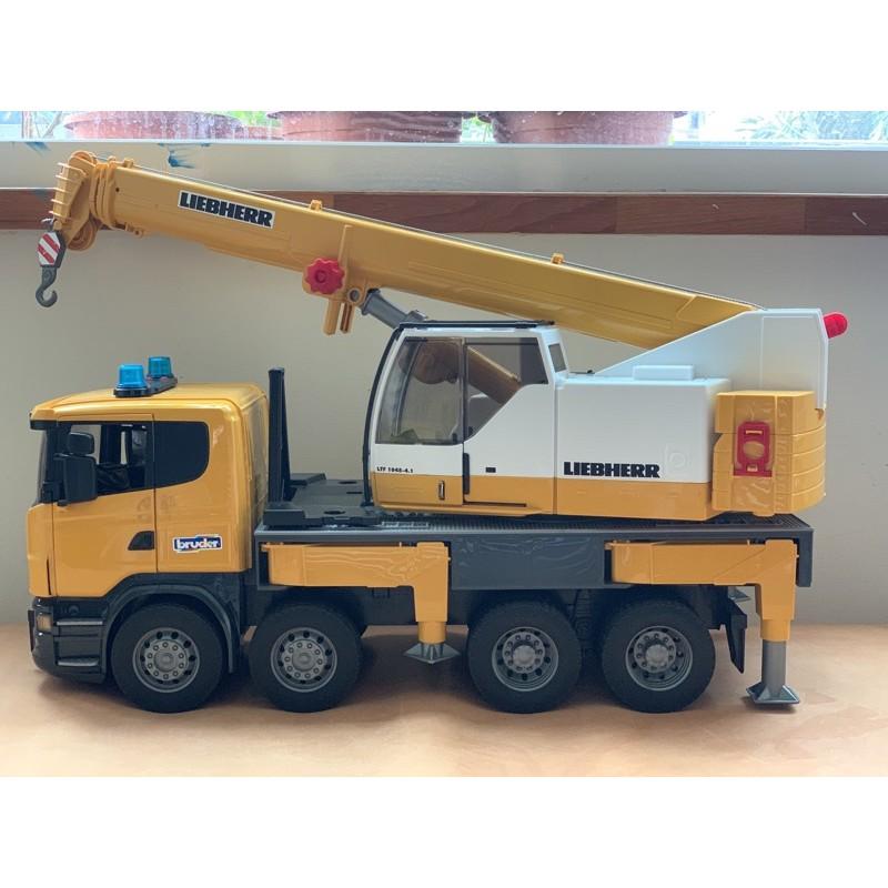 全新現貨 實拍 德國BRUDER 最後一台 仿真1:16 大尺寸 黃色 大吊車 工程車 起重機