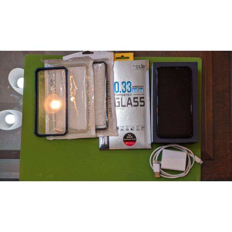 二手 ZenFone 5z(6g/128g)送hoda玻璃貼及3組手機保護殼