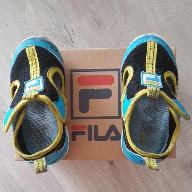 二手童鞋出清*正品fila中童經典迷彩款運動鞋*黑藍洞洞*男童護趾涼鞋*15.5公分