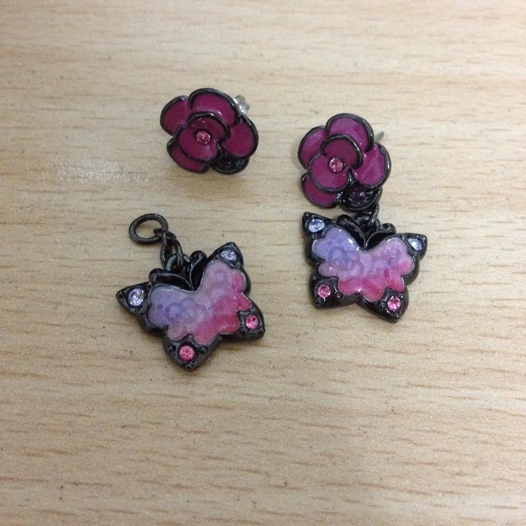 Anna Sui耳環