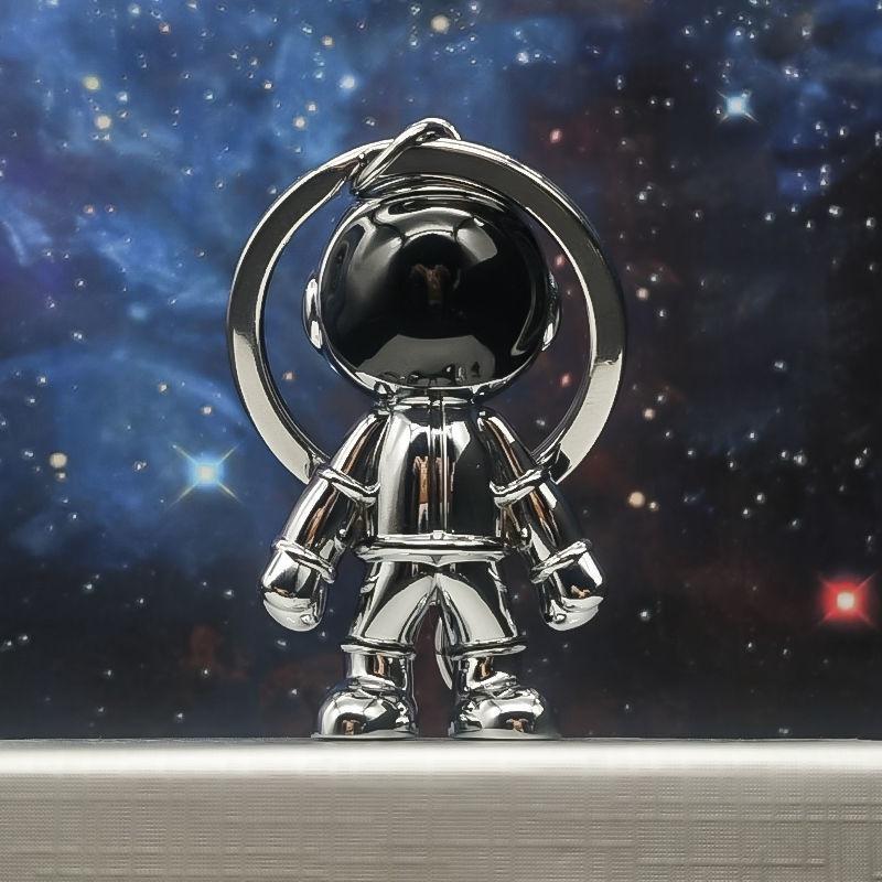 現貨 台灣出貨666太空人鑰匙扣挂件男個性汽車鑰匙鏈情侶款禮物書包宇航員公仔掛飾