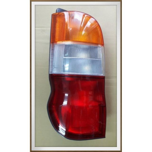 【帝益汽材】TOYOTA 豐田 HIACE 海力士 SOLEMIO 1997年後 後燈 尾燈《另有賣天線、大燈、晴雨窗》