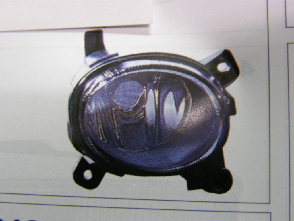奧迪 AUDI A1 2011年 霧燈 各車型後燈,大燈,小燈,昇降機,把手,泥槽,昇降機,後視鏡,水切,馬達 歡迎詢問
