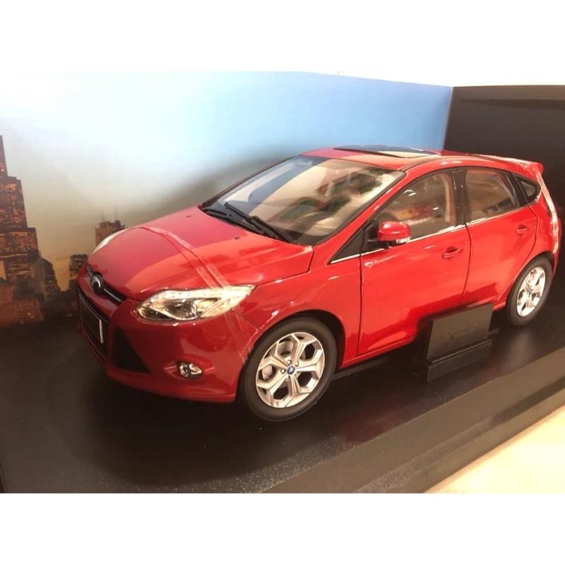 BuyCar模型車庫 1:18 FORD FOCUS MK3模型車
