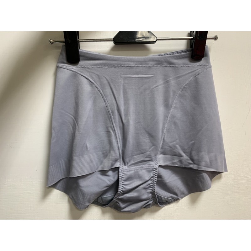 華歌爾=高腰三角冰涼奇異褲=64.70號=專櫃品質=樸實價格=
