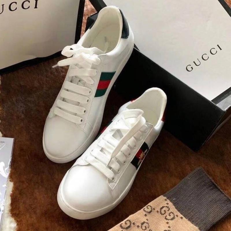 貳貓❤️韓國代購—Gucci經典蜜蜂🐝刺繡小白鞋