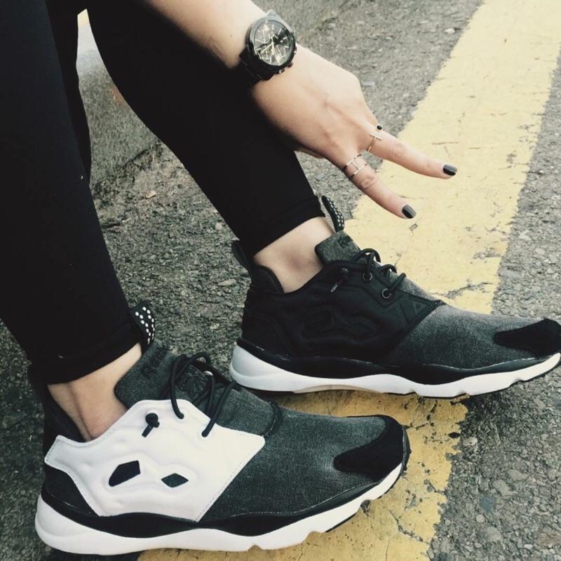 Reebok Furylite 黑白 陰陽 太極 慢跑鞋 女鞋