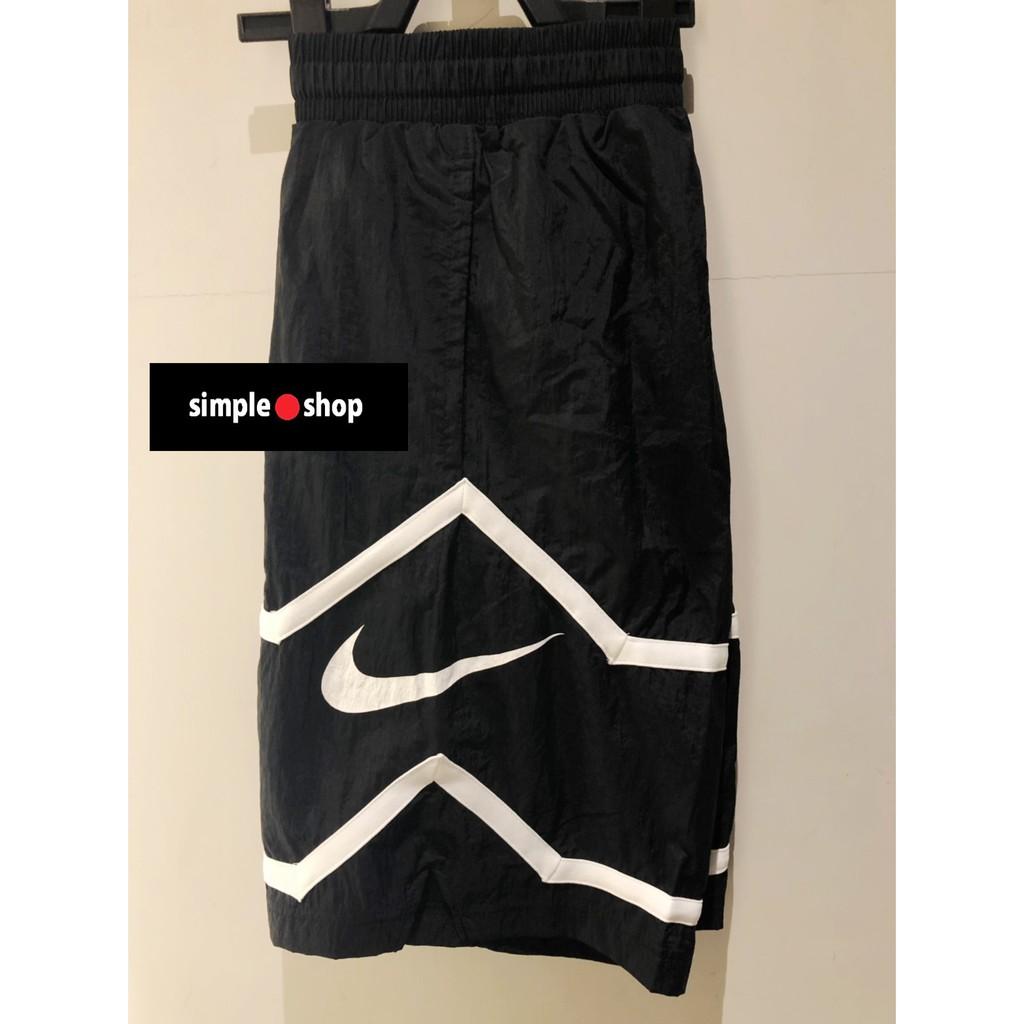 【Simple Shop】NIKE LOGO 復古 大勾 短褲 籃球褲 運動短褲 防風材質 黑白 CT4622-010