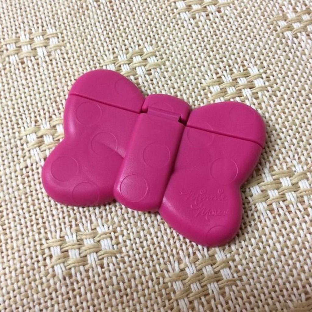 日本迪士尼 重覆黏濕紙巾專用盒蓋 -桃紅色蝴蝶結款