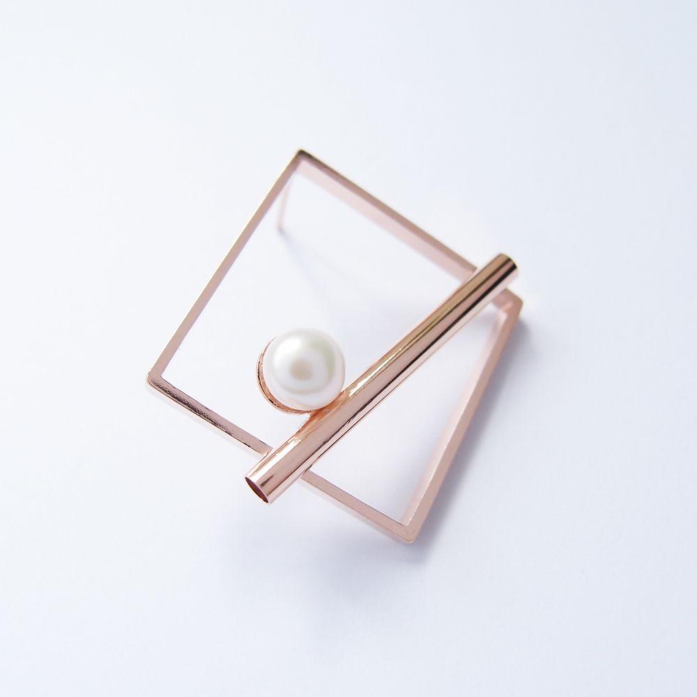 幾何風景3 珍珠精鍍玫瑰金屬耳環