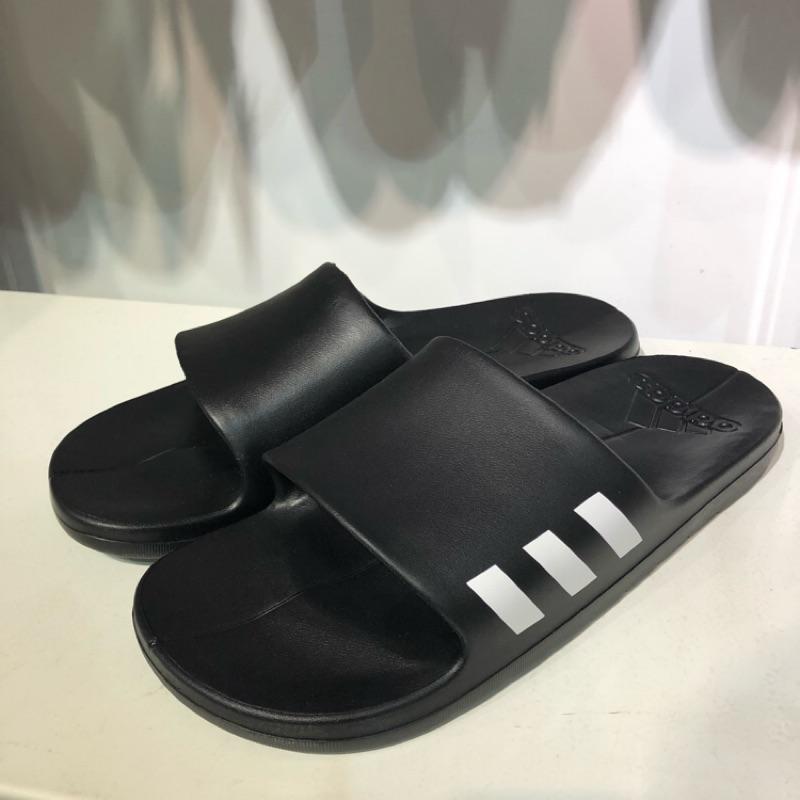Adidas 男女款拖鞋 黑 (CG3540)