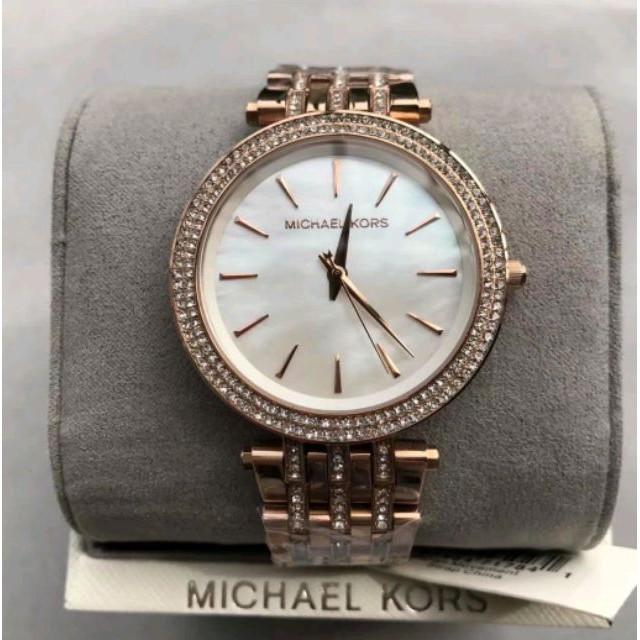 e005440e5e88 日本銀座代購MICHAEL KORS 手錶/MK3549 玫瑰金秀麗晶鑽經典LOGO金色不鏽鋼錶帶腕錶/女錶/32mm | 蝦皮購物