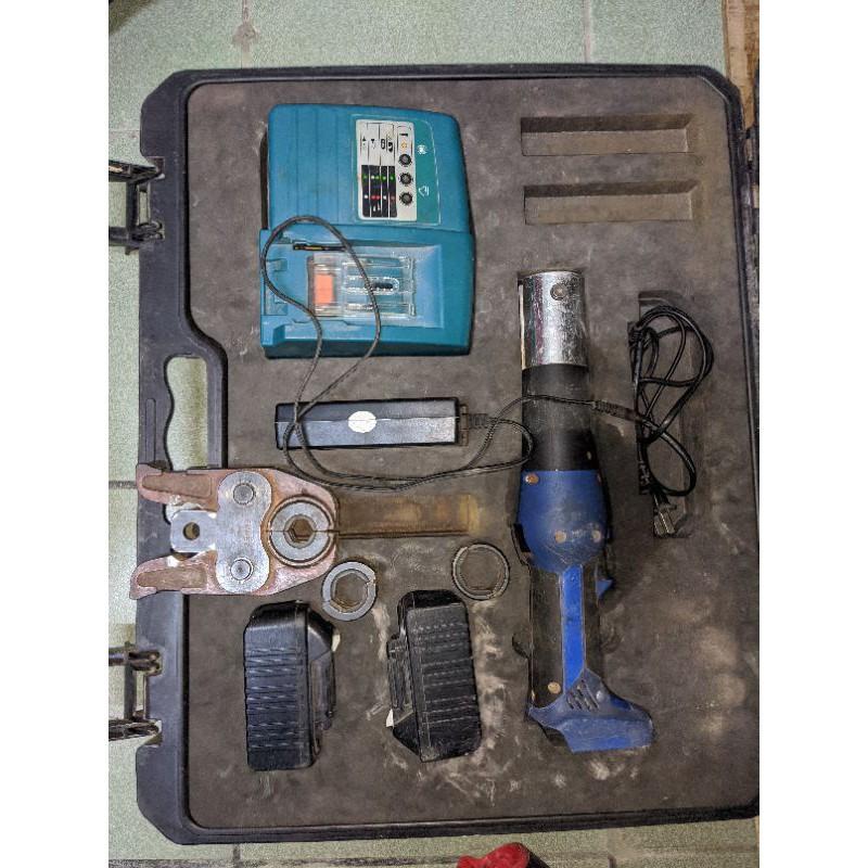 台製 鴻海電工壓接機 18V 通用牧田電池