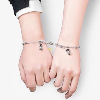 Flgo 2 Pcs 宇航員情侶手鍊關係距離相互吸引力匹配磁性可調手鍊手工編織彈性繩,  配以星星拾音器吊墜