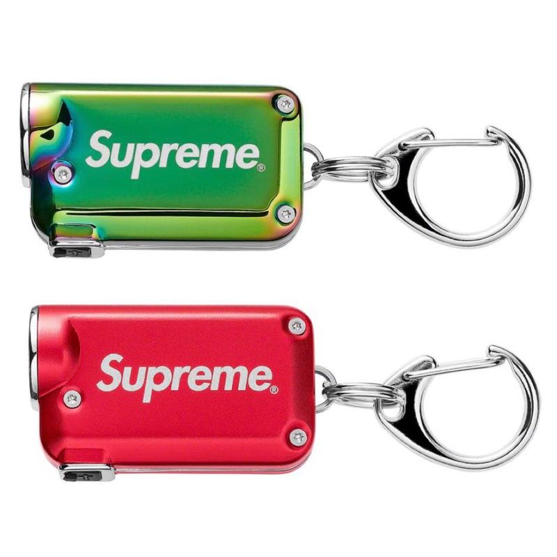 全新現貨 19 Supreme®/NITECORE® Tini Keychain Light