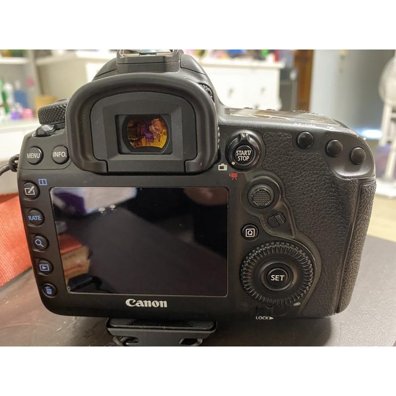 台南賣二手canon 5d4公司貨全片幅單眼相機5D Mark IV機身