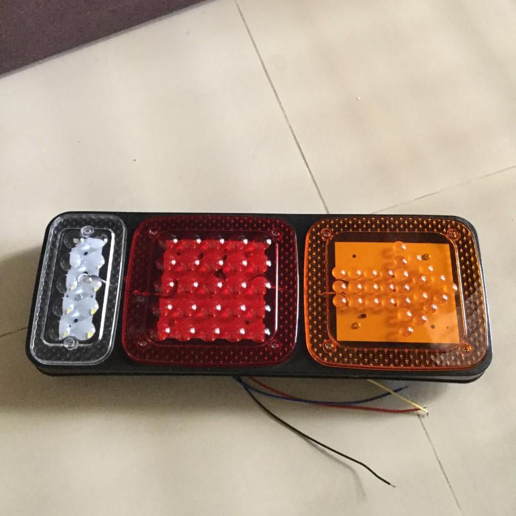 LED後燈組尾燈-紅光-黃光-白光-含方向燈-煞車燈-24V-貨車現貨供應-
