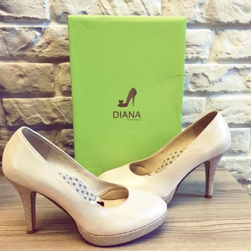 DIANA 高跟婚鞋
