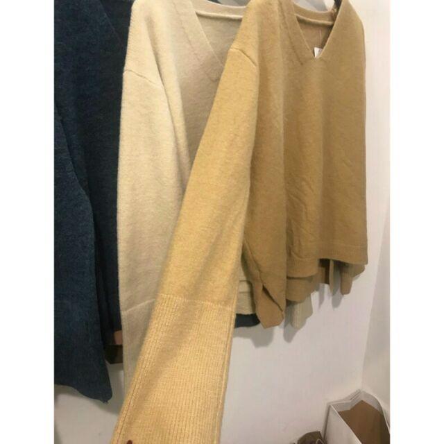 混毛側開衩V領寬袖毛衣/針織上衣