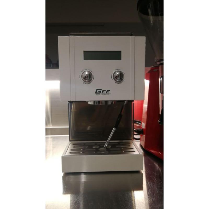 GEE 蒸氣渦輪 家用 半自動咖啡機