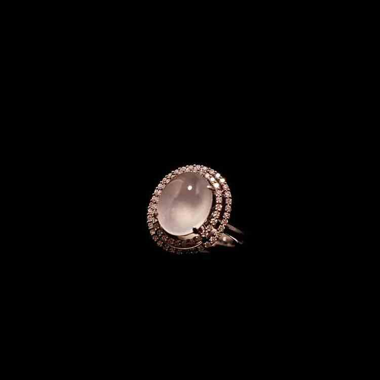 緬甸天然玻璃種白翡翠蛋面戒指
