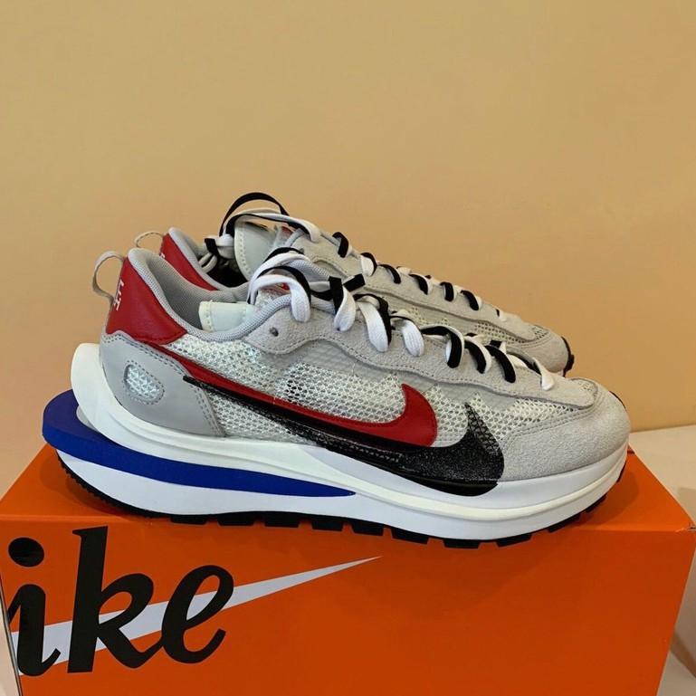 "Sacai x Nike VaporWaffle ""Royal Fuchsia""灰白 男女休閒鞋 CV1363-100"