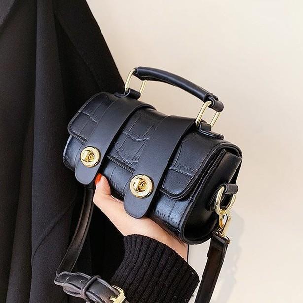 【花椰小姐】ins網紅高級感小方包小眾設計時尚百搭斜背包質感手提包肩背包側背包