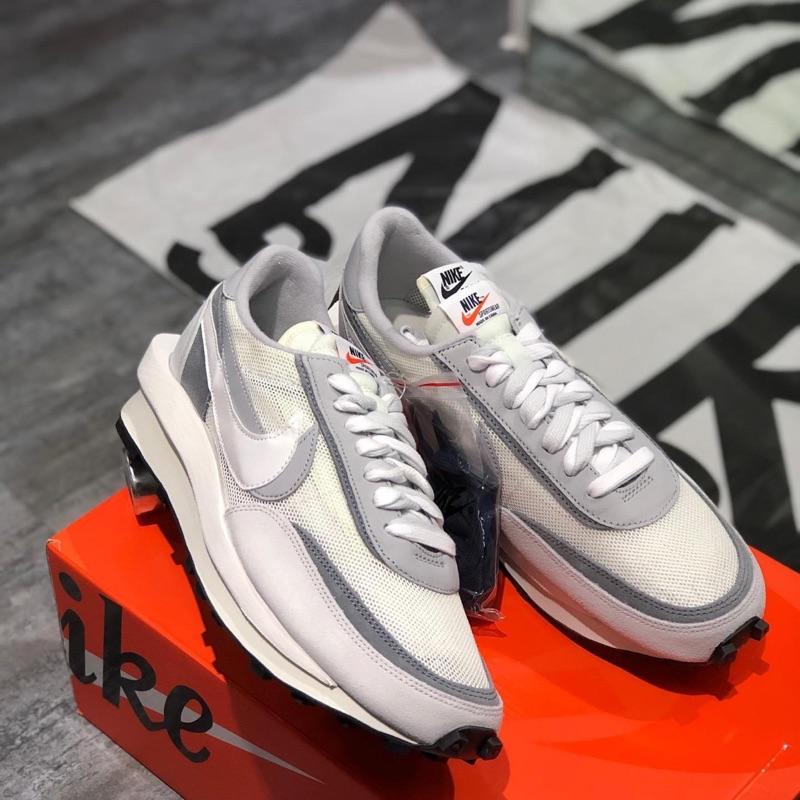 [KANYE] 🔥二手正品Nike Sacai🔥無任何髒污破損異味 灰白us10 二手美品 新到哭爸 解構鞋