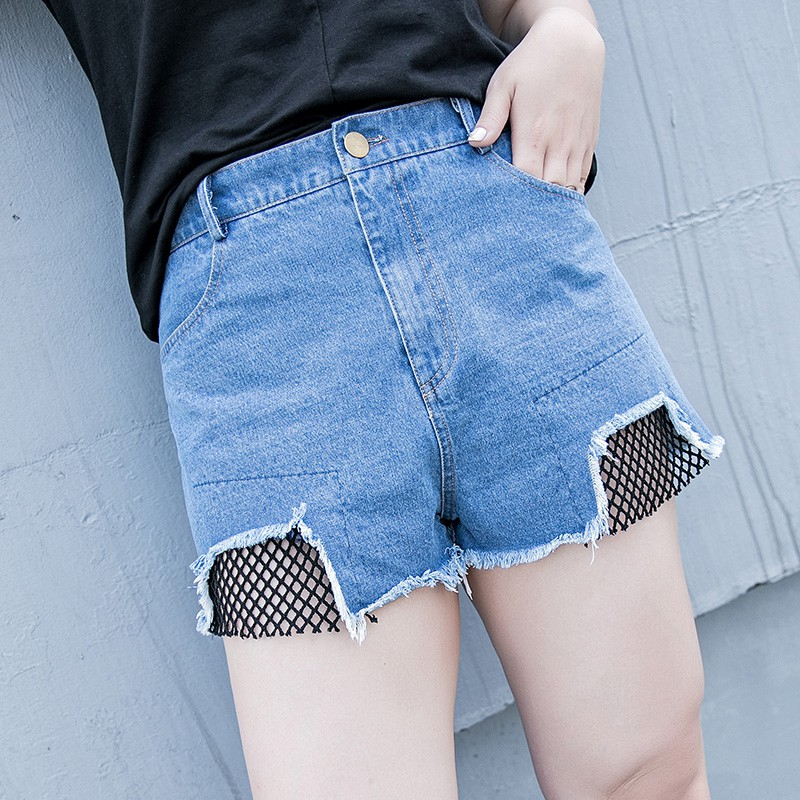 CC-GIRL中大尺碼 破洞刷毛邊網格併接牛仔褲短褲 - 適XL~4L《 64485B 》