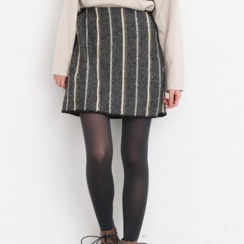 蝦皮獨賣【KBF】下擺縫線直紋迷你裙 (共2色)