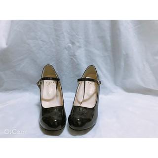 黑色漆皮圓頭7.5mm高跟鞋 26.5/ 43碼 (推薦26/ 42碼) 韓國本地購入全新出售 台中市
