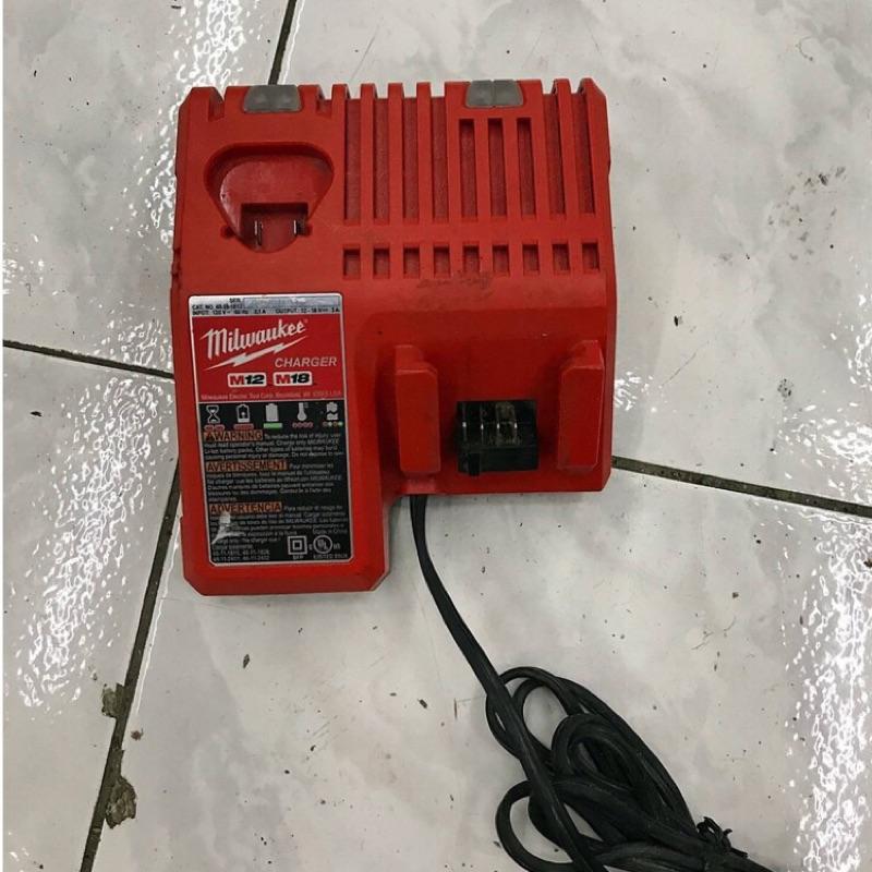 二手 米沃奇 原廠 電池充電器 M12-18C 12V / 18V兩用鋰電 充電器 電池充電器 另售米沃奇電池