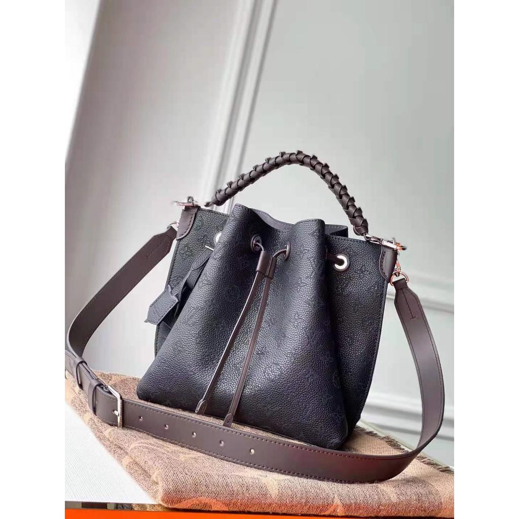 【LV 路易威登】  MURIA 黑色 雷射洞洞牛皮拼編織手柄水桶包兩用包 名牌 精品 女生 包包 水桶包