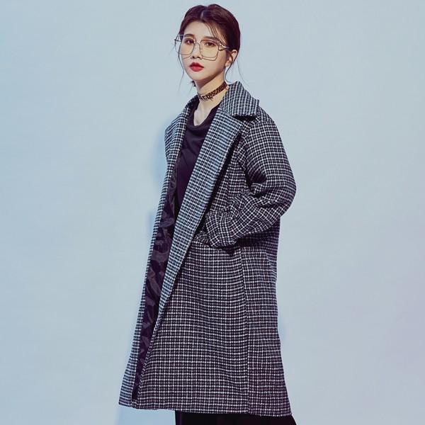三排釦厚實感格紋毛呢長版大衣