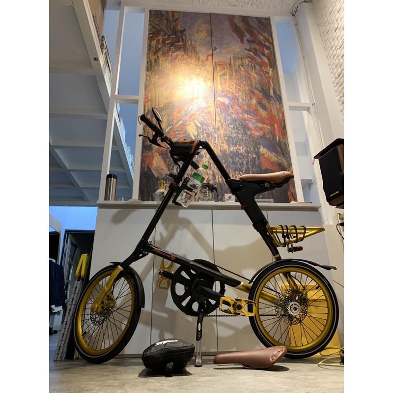 STRIDA EVO 折疊腳踏車18吋 內變3速/黑金色限量版:原價34800。