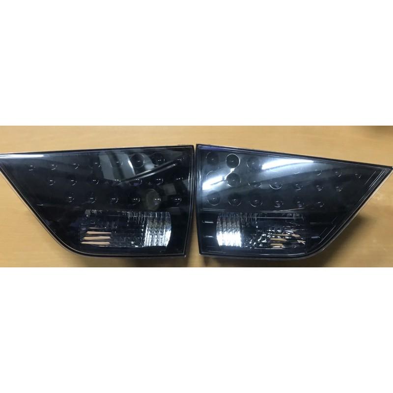 三菱 OUTLANDER 二手品 黑底 倒車燈 內側尾燈 無LED