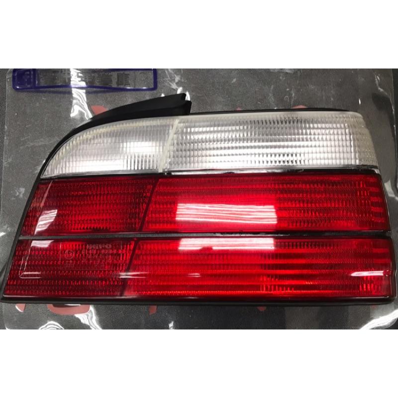 BMW E36 2D 2門 後尾燈 白紅色