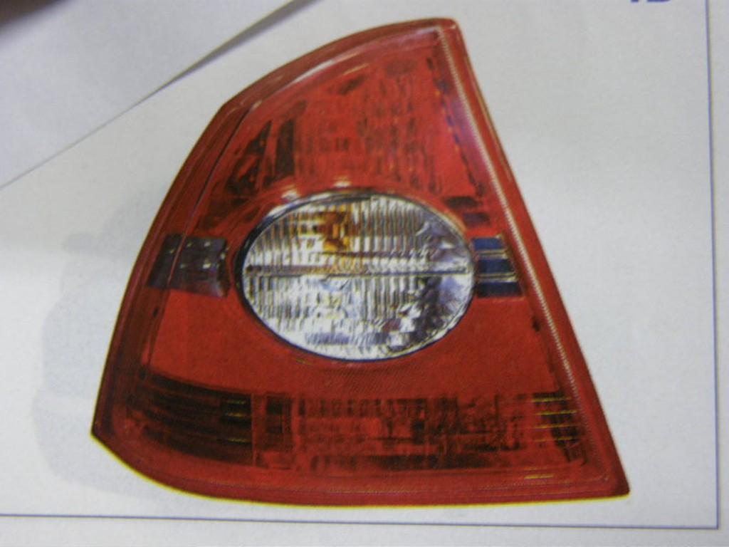 福特 FOCUS 05 4門 4D 後燈 尾燈 其它發電機,啟動馬達,幫浦,惰輪,來令片,橡皮,開關,皮帶,昇降機可詢問