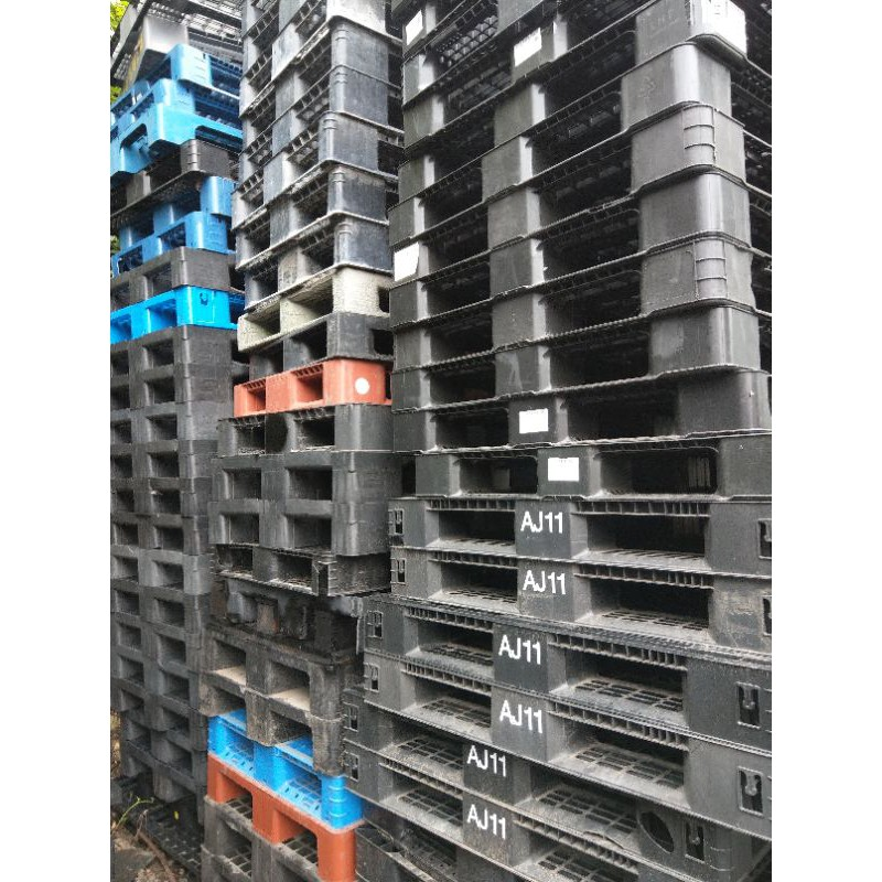 二手旁邊些微破損塑膠棧板 尺寸120x80  100x100
