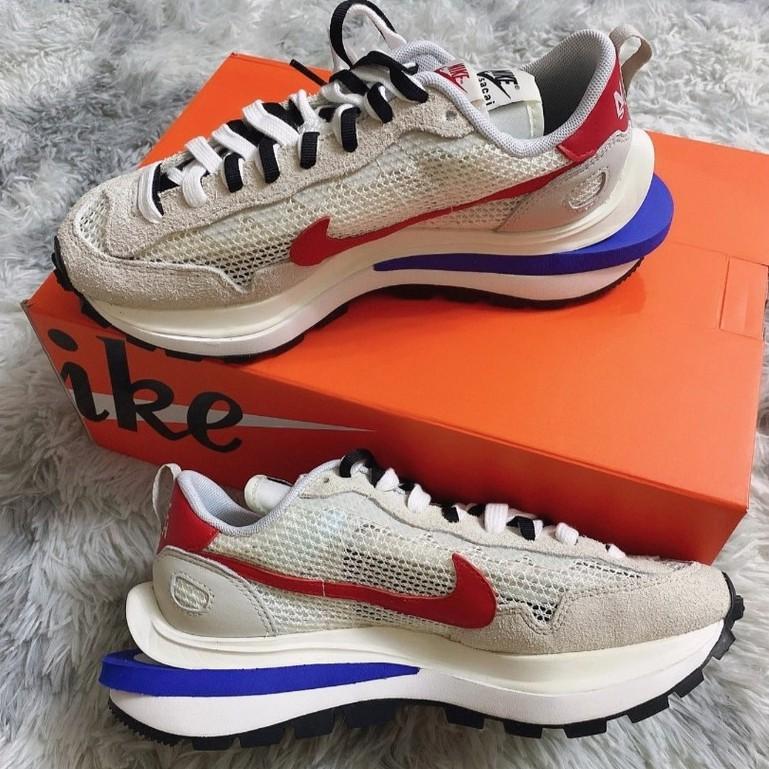 """日本正品代購 Sacai x Nike VaporWaffle """"Royal Fuchsia""""灰白 CV1363-100"""