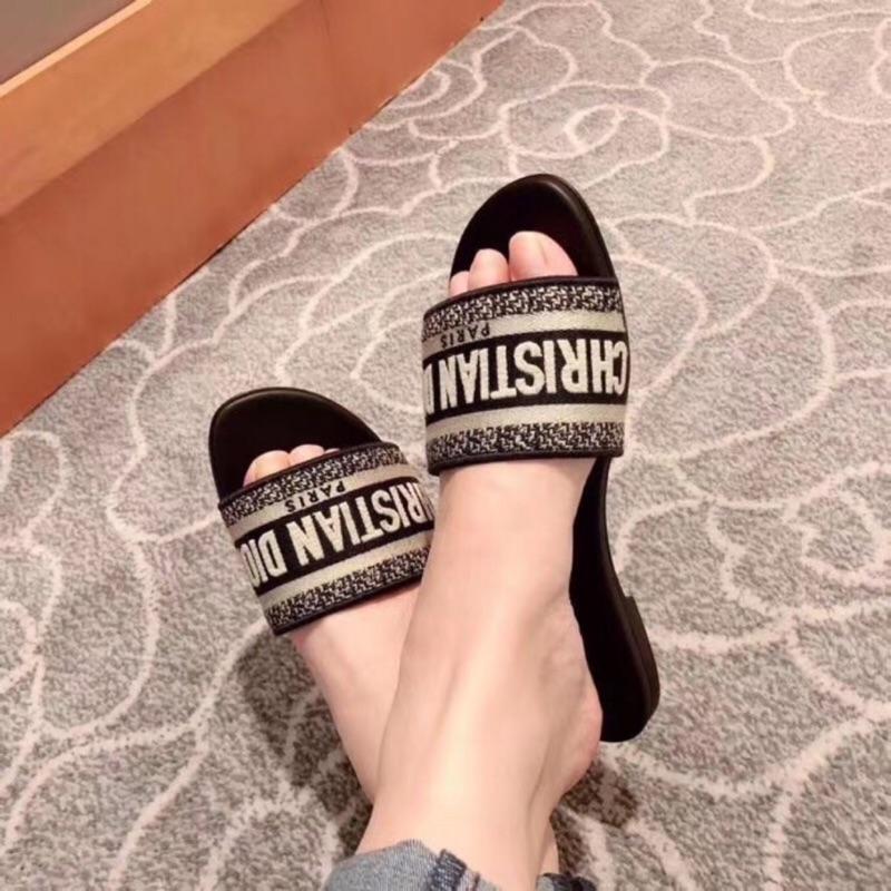2020專櫃新款同步發售✅Dior 新款 刺繡拖鞋 涼鞋 懶人鞋 媽媽鞋❤️跟鞋