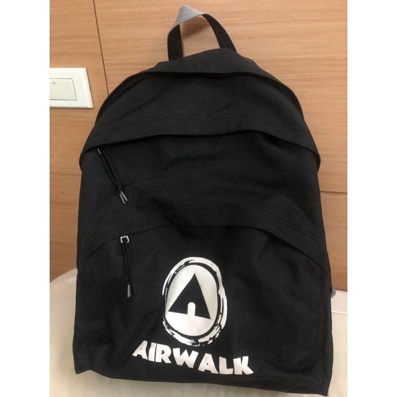 正品airwalk帆布大後背包,低調有型;運動/登山