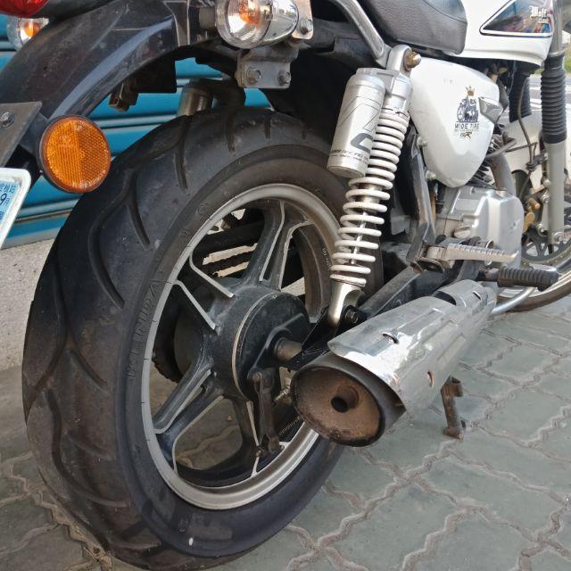 很新 野狼 寬胎 原廠搖臂 寬胎 含輪胎 含配件 含避震器 含哈姆 只有一組 5500元